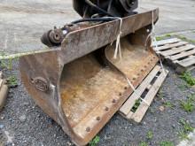Equipamientos maquinaria OP Geith ORIENTABLE 1M80 Pala/cuchara pala de limpieza usado