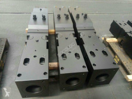Vedeţi fotografiile Echipamente pentru construcţii nc Pièces marteaux hydrauliques